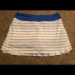 RARE and HTF Lululemon Skirt Size 8 Tall